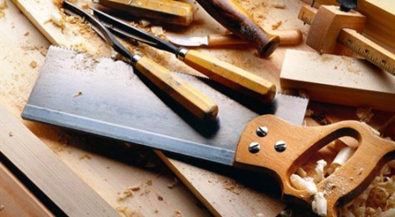 Ручной инструмент для работы с деревом