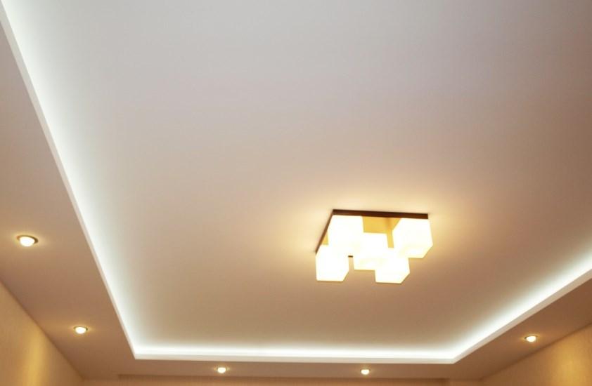Трещины на потолке из гипсокартона